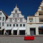 Auf dem roten Sofa wurden die Bedürfnisse der Bewohner in Lemgo und Leipzig erfragt (Foto: Susann Liepe)